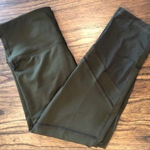 Old Navy Active Go-Dry Petite Olive Leggings